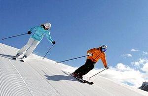 Sciatori in settimana bianca